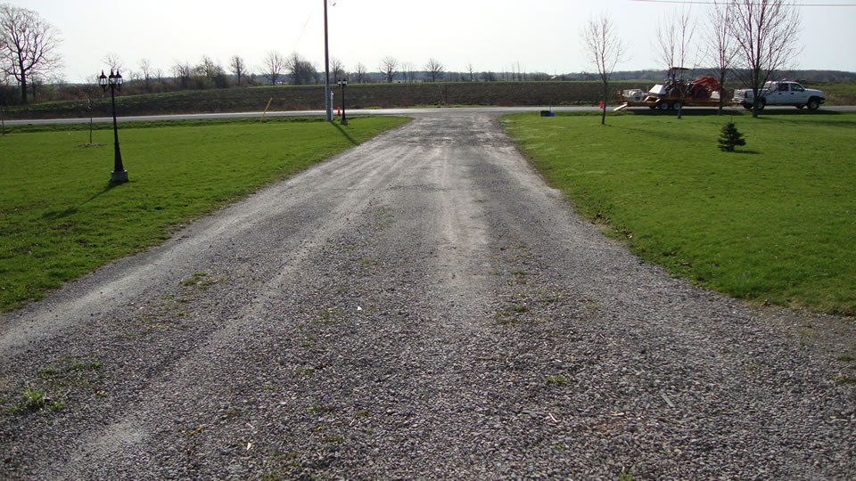 Driveway grass and weed removal the gravel doctor 174