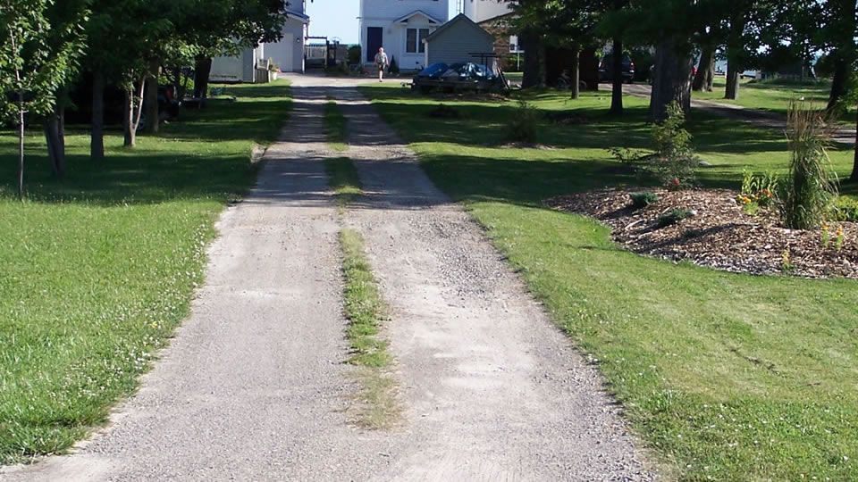 Driveway Grass And Weed Removal The Gravel Doctor